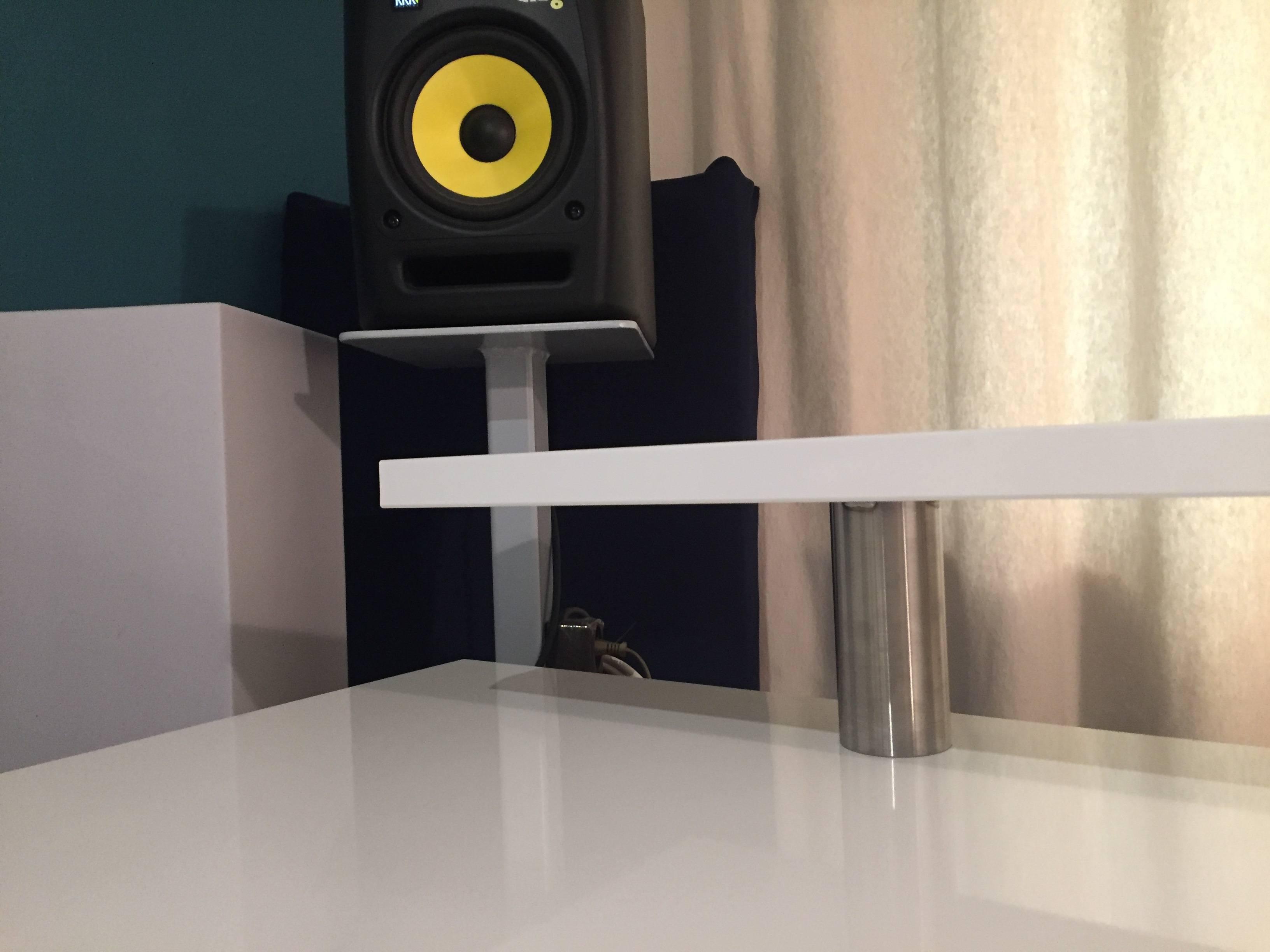 Ikea Studio Tisch selbst gebaut, günstig,