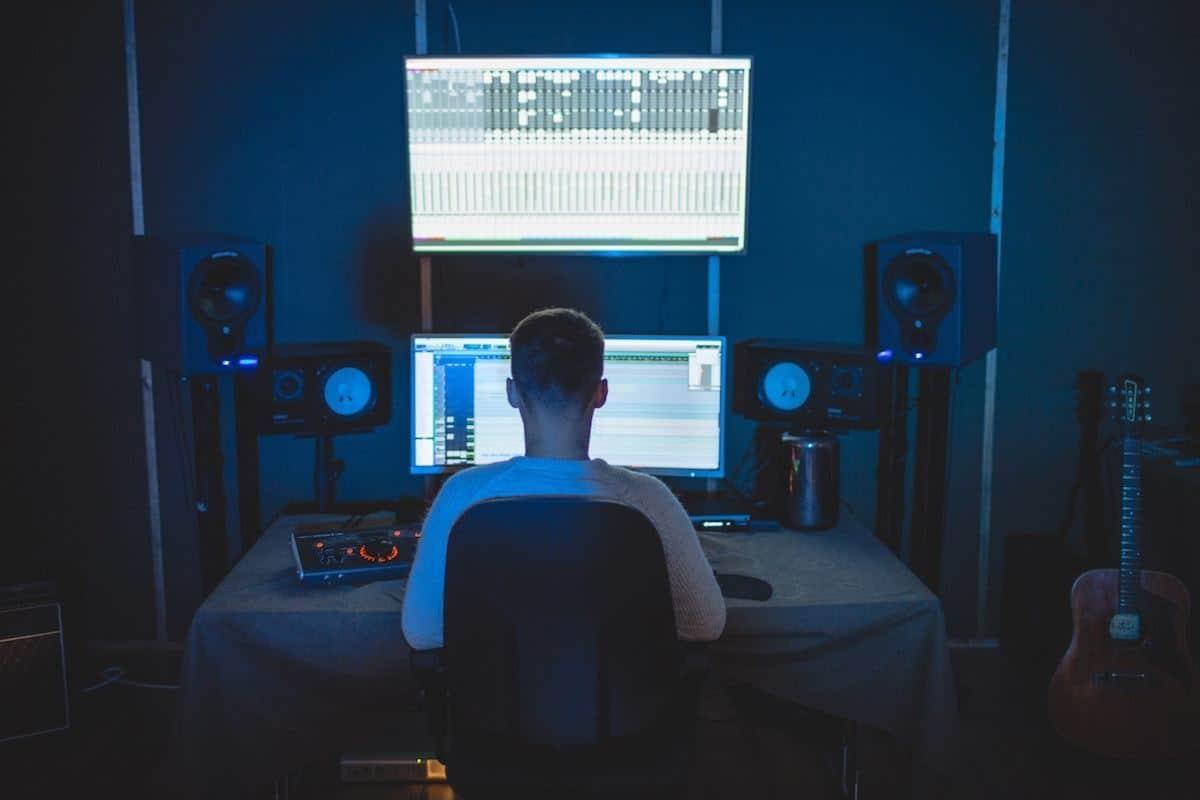 Musikstudio Tisch, Produzent, DIY Tonstudio